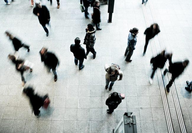 Инстинкт толпы: нужно ли ему следовать?